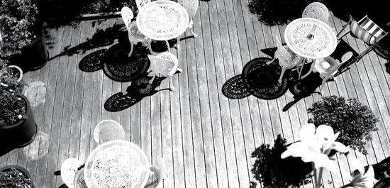 hôtel des jardins : Terrasse