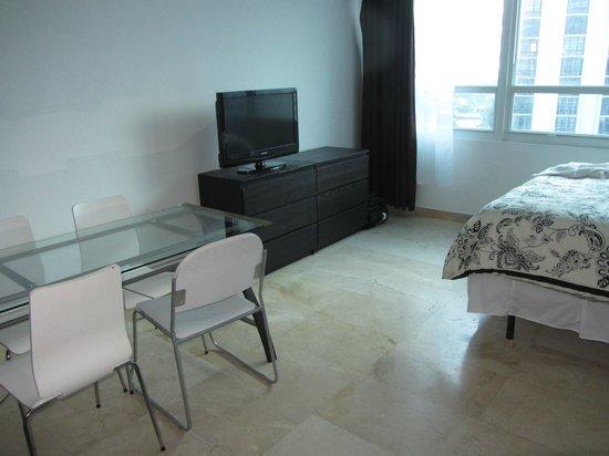 Costa Galana Miami: Habitación