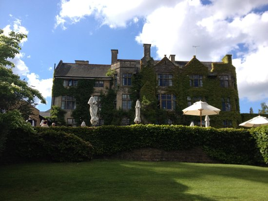 Pennyhill Park, an Exclusive Hotel & Spa : exterior