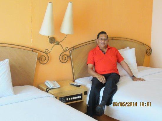 Corus Paradise resort: Twin sharing Delux Room at 7th floor
