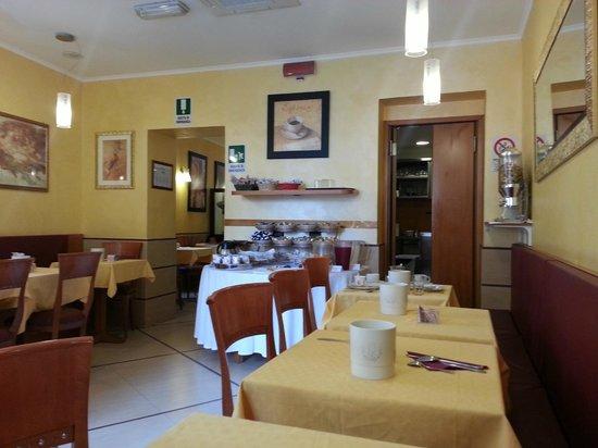 Lirico Hotel: Breakfast room