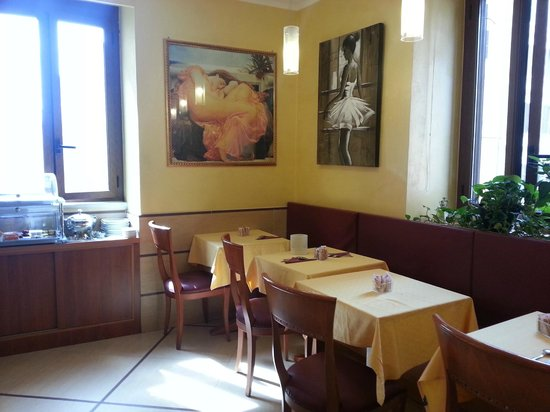 Lirico Hotel: Breakfast room