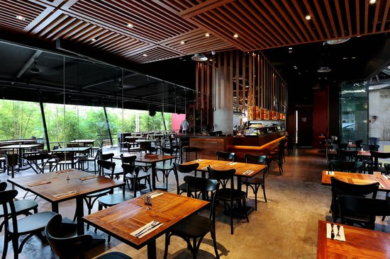 District 10 Restaurant and Bar