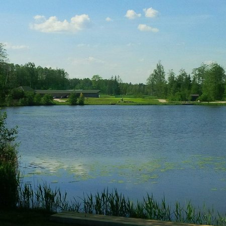 Vilnius Grand Resort: View across the lake