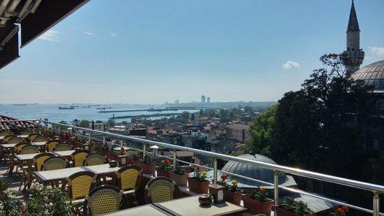 Dara Hotel Istanbul: Terrace