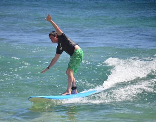 Kauai Surf School: 53 and surfing for the first time