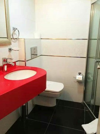 Ayasultan Hotel: Bathroom