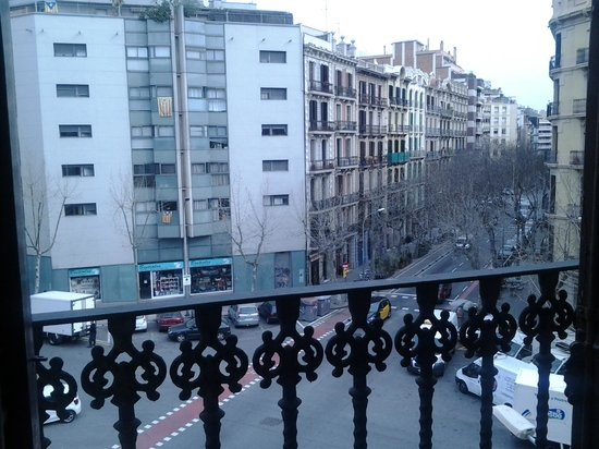 Hostal Central Barcelona : View from the Balcony