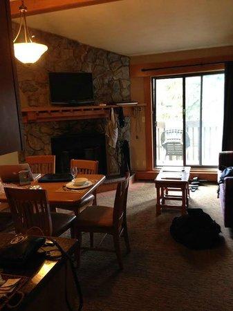 Hidden Ridge Resort: Upper condo main level