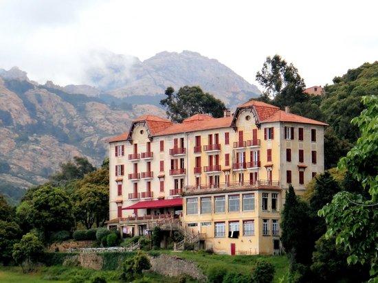 l 39 hotel vu depuis piana photo de hotel les roches rouges piana tripadvisor. Black Bedroom Furniture Sets. Home Design Ideas