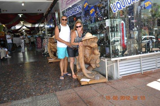 Los Dedos Playa Brava: lojas de punta