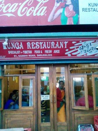 Kunga Restaurant: Kunga from the street