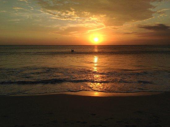 Jimbaran Bay : sunset di jimbaran
