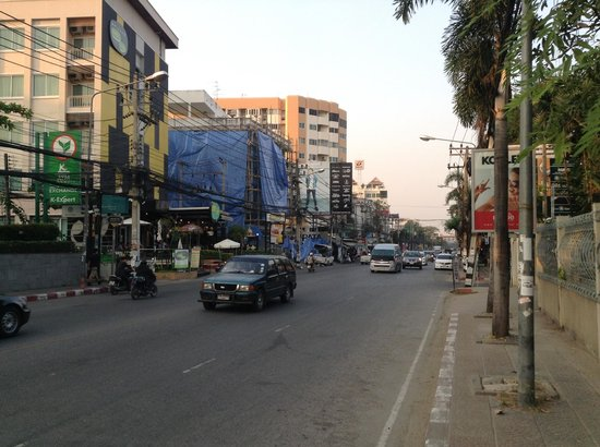 Kantary Hills, Chiang Mai: Close to the main street