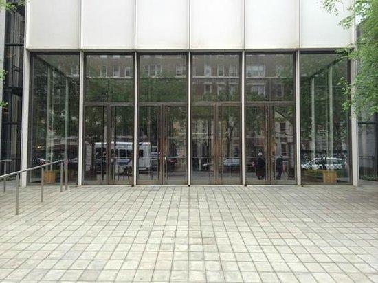 The Morgan Library & Museum: Fachada nueva