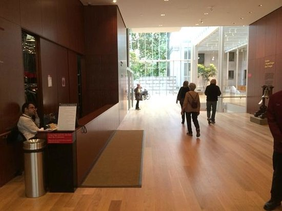 The Morgan Library & Museum: Lobby