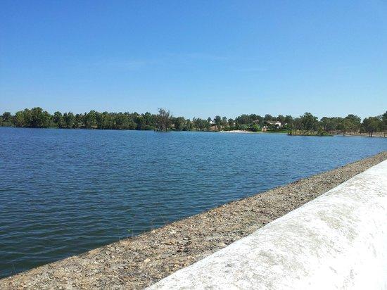 Monte da Galega: Lake at Mina S. Domingos.