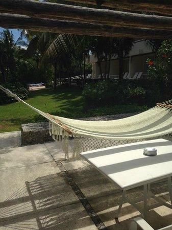 Presidente Inter-Continental Cozumel Resort & Spa: Hammock on Balcony