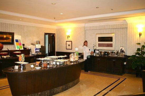 Le Meridien Kota Kinabalu: Club Lounge
