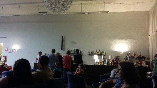 Hotel Roc Costa Park: Main bar