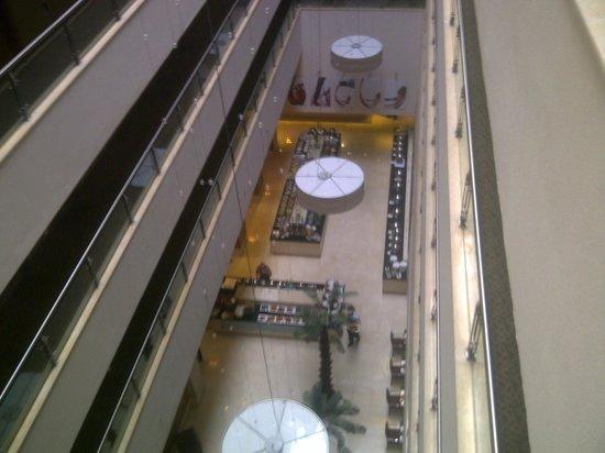Radisson Blu Hotel, Cairo Heliopolis: FOOD DISPLAYED ON GROUND FLOOR