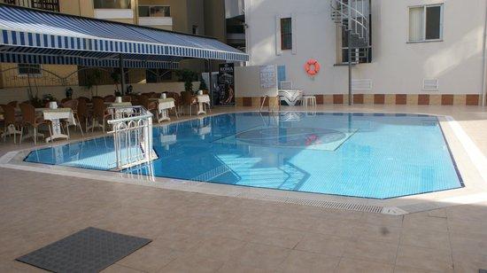 Kleopatra Life: hotel pool
