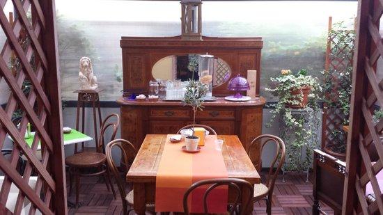 Hotel Casa Lea: Você pode tomar café aqui