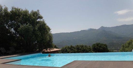 Hôtel A Piattatella : La piscine chauffée à 30°