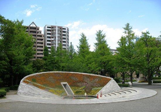 Yokoamicho Park: Памятник жертвам Великой бомбардировки Токио
