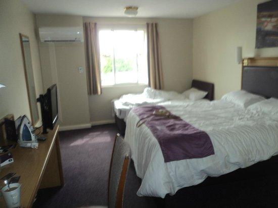 Premier Inn Birmingham Central East: nice room