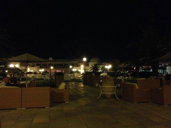 Tej Marhaba Hotel : Cocktails at night