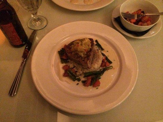 1587 Restaurant: The Hubbies Meal Mahi-Mahi