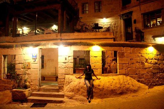 Divan Cave House: Hotel entrance