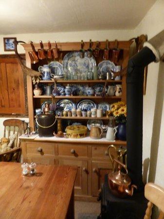 Great Sloncombe Farm : Breakfast room