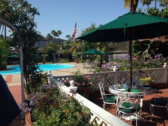 Town and Country San Diego : View from breakfast