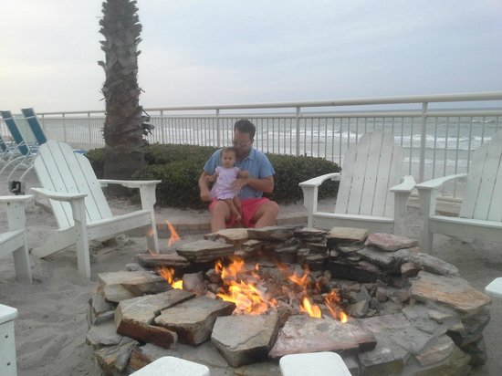 The Shores Resort & Spa: Fire pit
