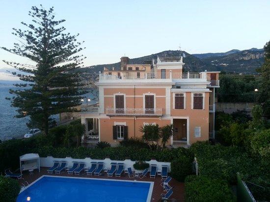 Villa Garden Hotel: View