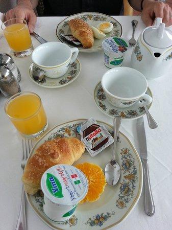 Villa Garden Hotel : Breakfast