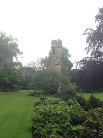 The Bishop's Palace and Gardens: Pretty even on a drizzly day