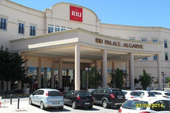 TUI BLUE Falesia : Eingang zum Hotel