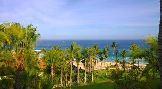 One & Only Palmilla: Breathtaking view from our balcony!