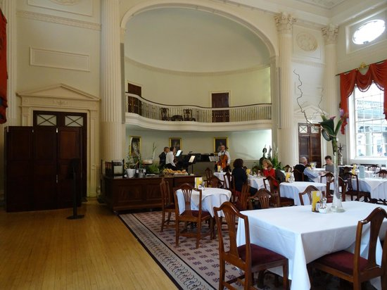 The Pump Room Restaurant: The Room
