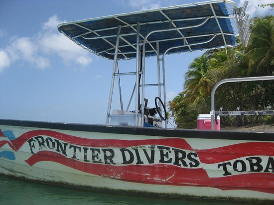 Sandy Point Beach Club: Frontier Dive Boat