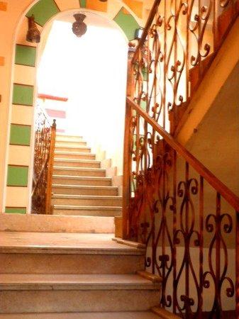 Nefertiti Hotel: Stairwell