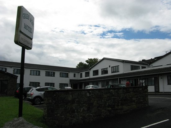North Cornelly, UK: Parking hotel