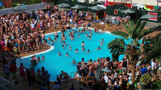 AxelBeach Maspalomas: pool-party