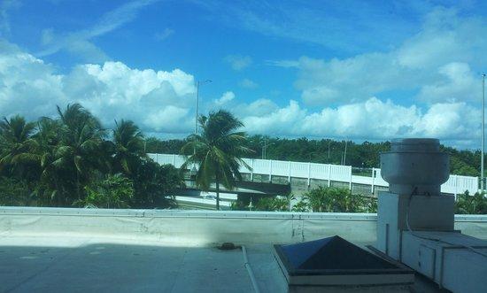 Embassy Suites by Hilton San Juan Hotel & Casino: Vista desde la habitación 216
