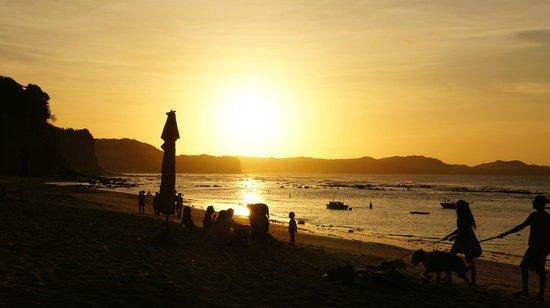 Vista do por-do-sol da varanda da Pousada da Praia