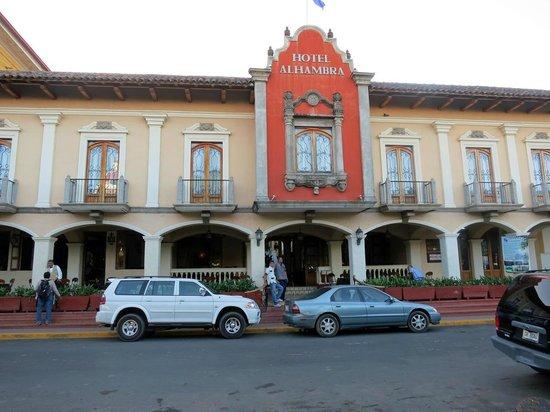 Hotel Alhambra: Der Hoteleingang