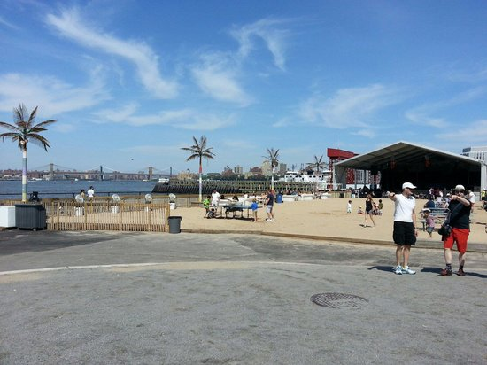 Governors Island National Monument : Beach club